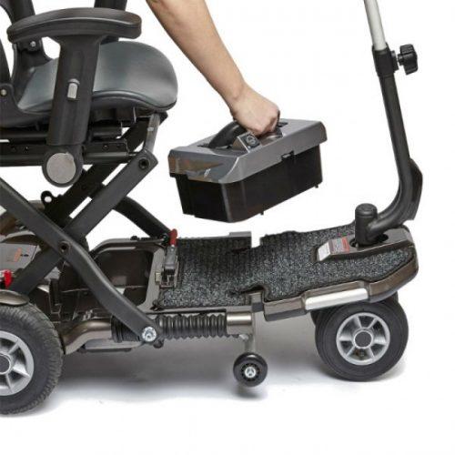 scooter-electrico-brio-plus-con-reposabrazos-luz-y-ruedas-neumaticas-bateria